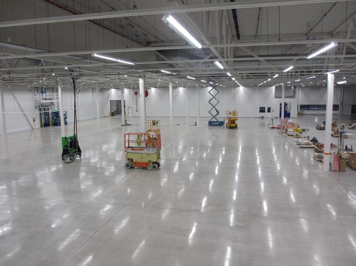 Betomix ja Dyny tekivät yhteistyössä dyny®PRO-pintakäsitellyn betonilattian Tampereen K-rauta Lahdesjärvelle.