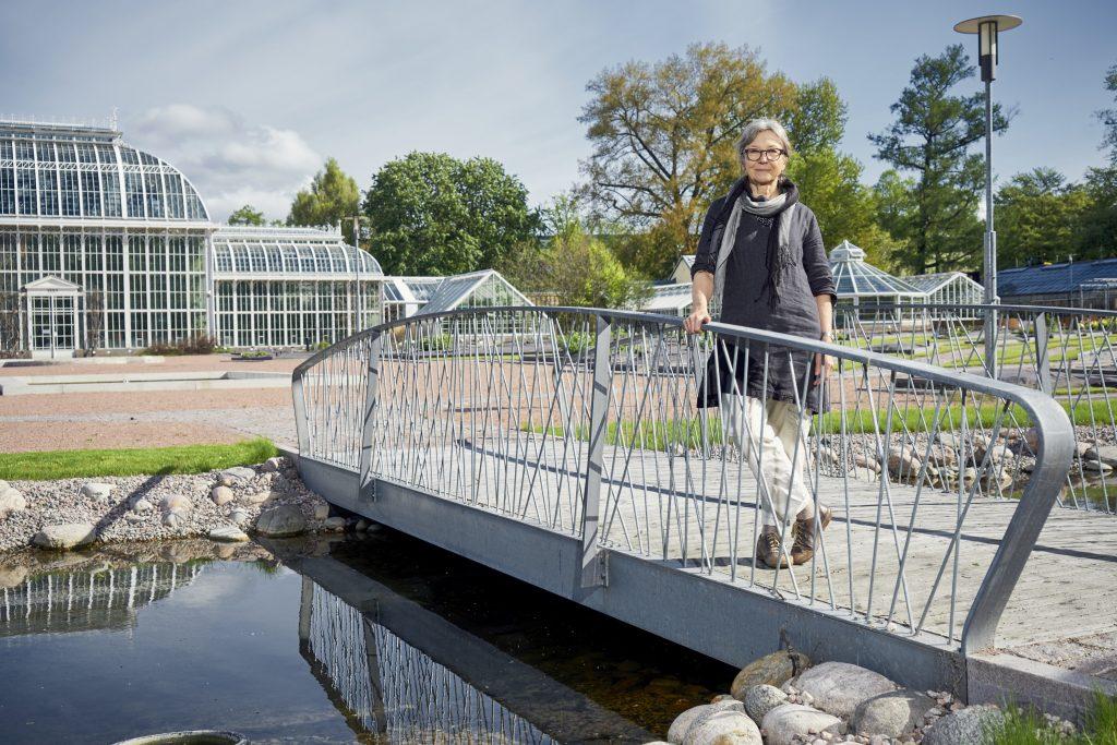 – Suomalaisessa maisema-arkkitehtuurissa pitää olla enemmän innovatiivisuutta, Gretel Hemgård sanoo. Hänelle myönnettiin Kivenpyörittäjä 2016 -palkinto tunnustuksena erittäin merkittävästä ja monipuolisesta maisema-arkkitehdin urasta. Ruduksen myöntämää palkintoa on jaettu vuodesta 2001.