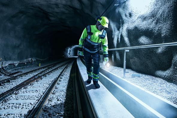 Rudus Oy on sopinut Länsimetro Oy:n kanssa Matinkylä–Kivenlahti -osuuden tukimuuri- ja kanavaelementtien toimittamisesta. Kaupan arvo on 6,7 miljoonaa euroa. Urakkaan liittyvä suunnittelutyö alkaa heti ja elementtien tuotanto käynnistyy alkuvuodesta 2017.