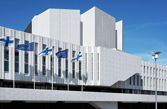 Finlandia-talon katolle asennetaan 150-170 aurinkopaneelia. Kuva: Katri Pyynönen, Finlandia-talo