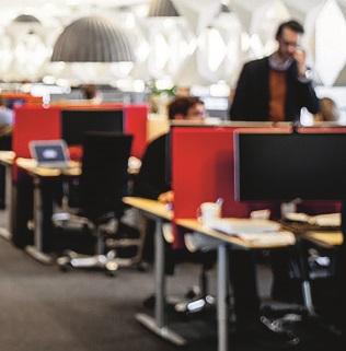 Paljon töitä, kasvava liikevaihto, mutta tekijäpulasta johtuva korkea palkkataso syö yritysten kannattavuutta.