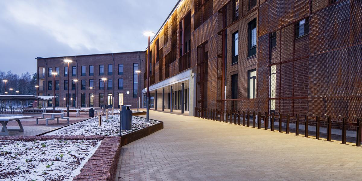 Lukio- ja opistorakennus Kipinä hehkuu Hyvinkäällä